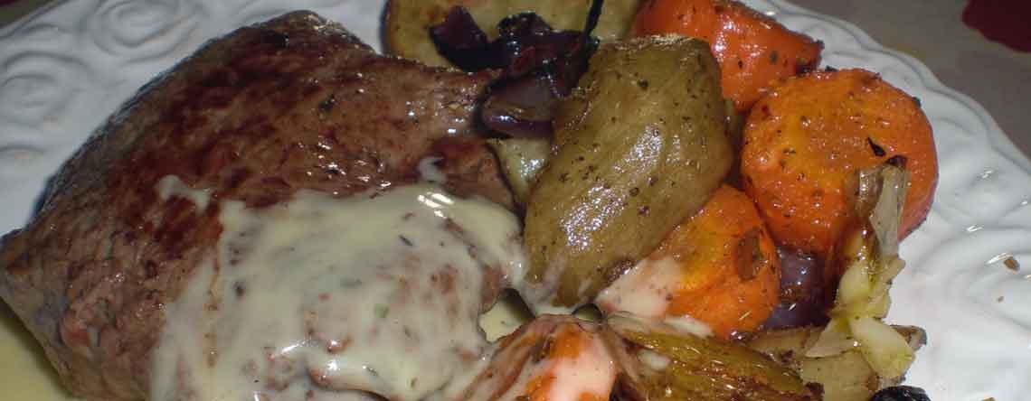 Engelsk bøf med bagte rodfrugter
