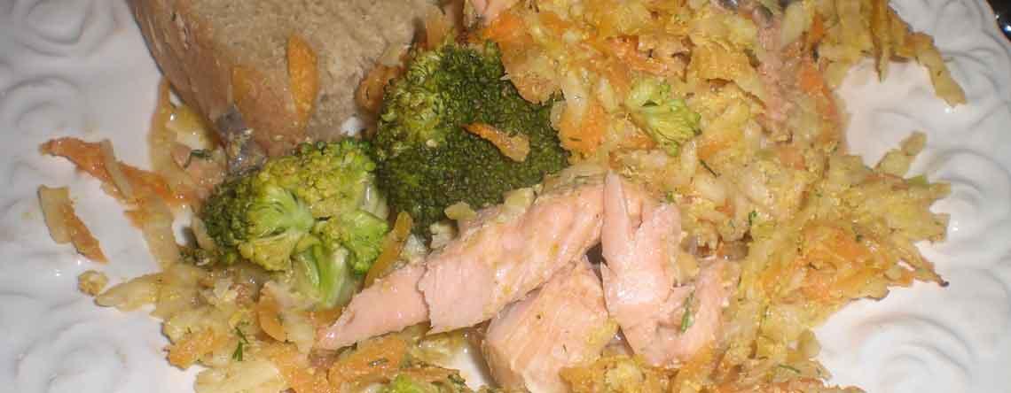 Bagt laks med grøntsager