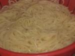 Kog spaghettien.