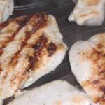 Steg/grill kyllingekødet på begge sider.