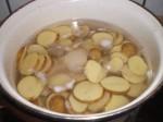 Kog kartoflerne.