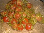 Bland tomater og pesto.