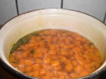 Kog gulerodstern i bouillon...