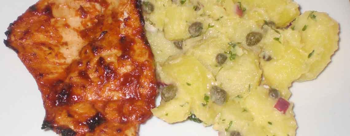 Kalkunschnitzler med kartoffelsalat