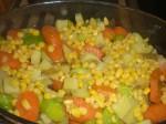 Fordel grøntsagerne i fadet.