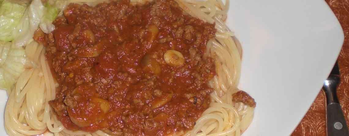 Spaghetti og kødsovs med kaffe
