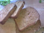 Rist brødet hårdt.