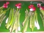 Del grøntsagerne op i 4 portioner.