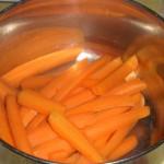 Servér med gulerødder ...
