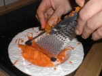 Riv gulerødderne.