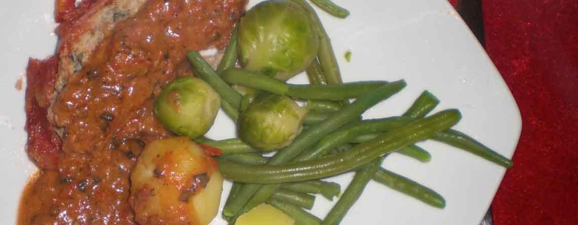 Farsbrød med champignoner og tomater