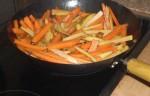 Rist gulerødder og kartofler.