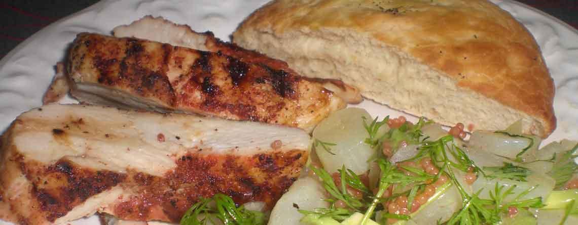 """Kylling med jordskok-avocadosalat med """"kaviar"""""""
