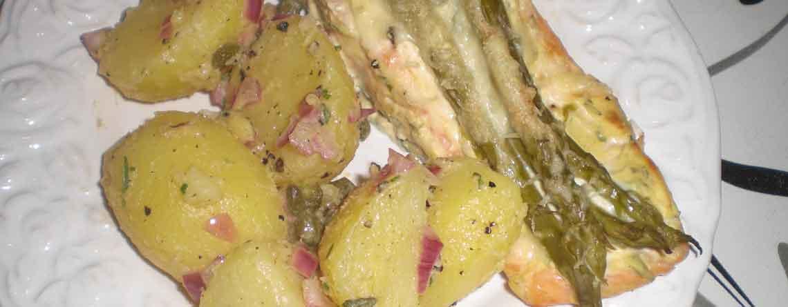 Sennepsgratineret laks og kartofler i sennepsdressing
