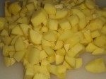 Skær kartoflerne i tern.