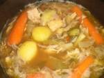 Smag suppen til med risvineddike, salt og peber.