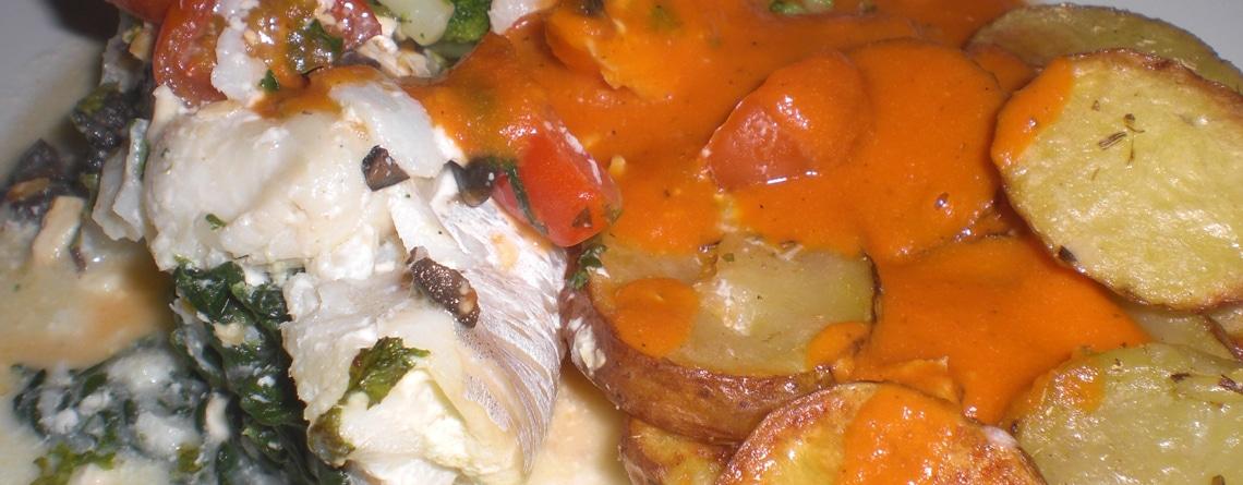 Kuller på spinat med tomatsauce