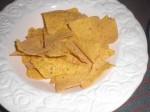 Drys tortillachipsene med cheddarost.