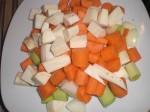 Skær grøntsagerne i store tern.