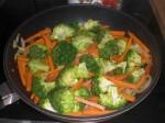 Svits gulerødder og broccoli i olie.