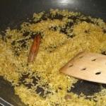Rist ris og krydderier i olie.