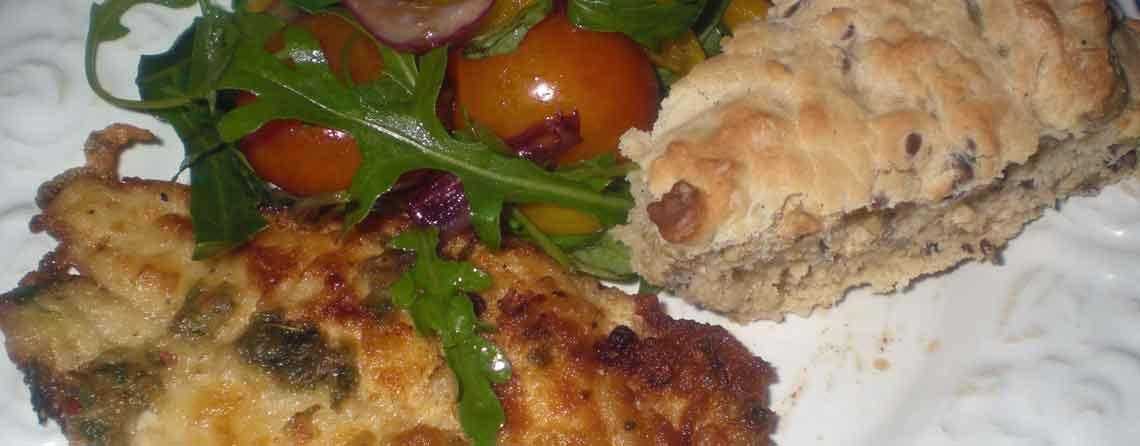 Hvidvinsmarineret rødspættefilet med knust peber og lun salat