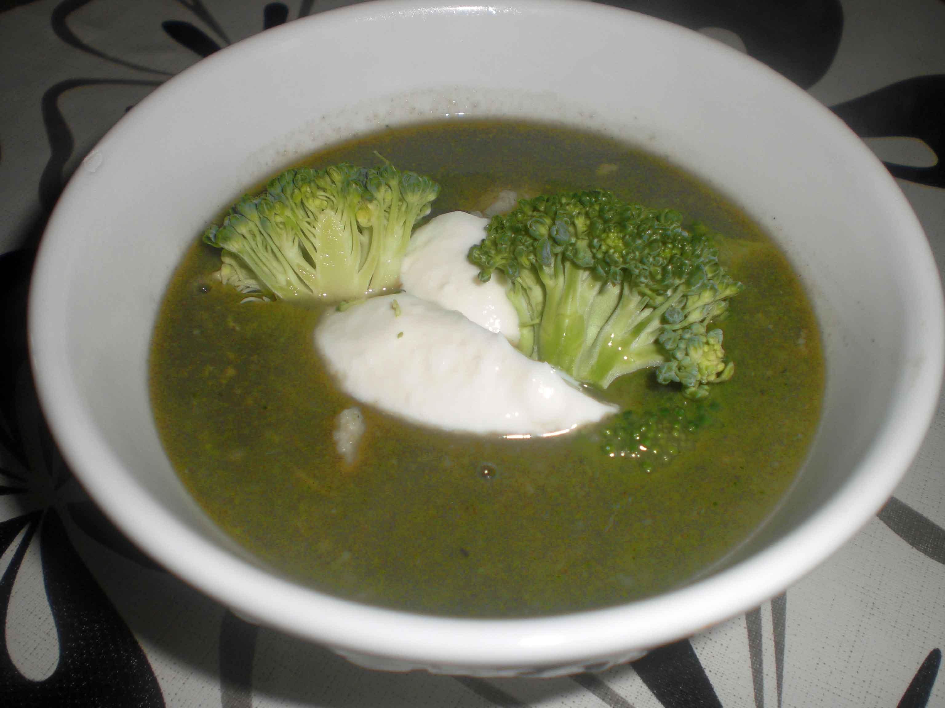 Kuller i broccolisuppe med karry