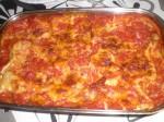 Lad lasagnen hvile 10 minutter.