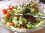Servér med salat.