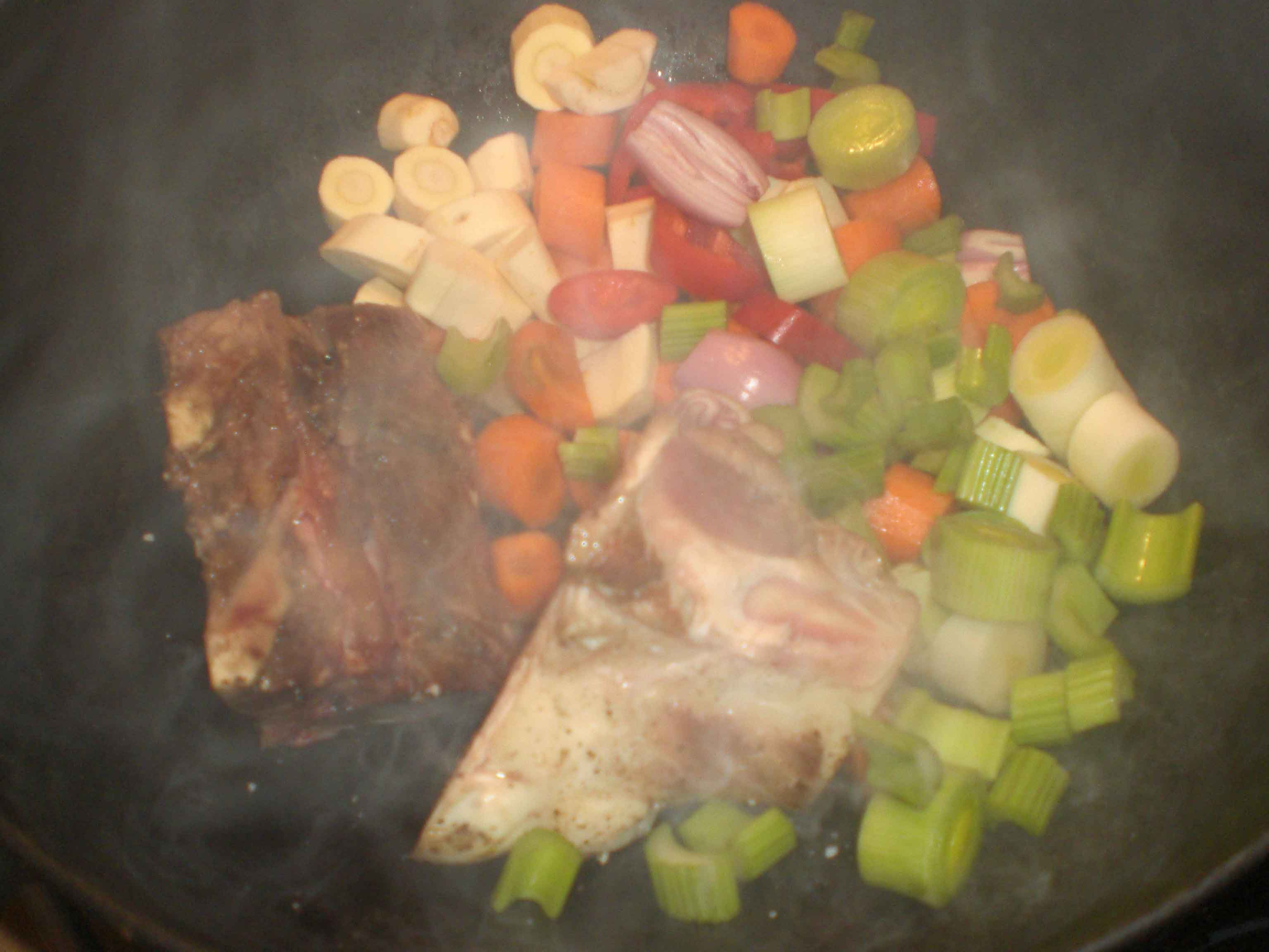 Tilsæt grøntsager, og svits.