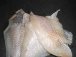 Skær fisken i 2 cm brede stykker.
