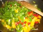 Tilsæt persille og peberfrugter...