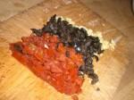 Hak hvidløg, oliven og soltørret tomat.