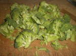 Del broccolien i mindre buketter.