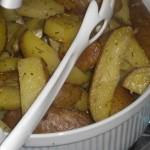 Servér lækre, bagte kartofler til stegen.