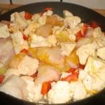 Sauter havtaskehale og grøntsager.