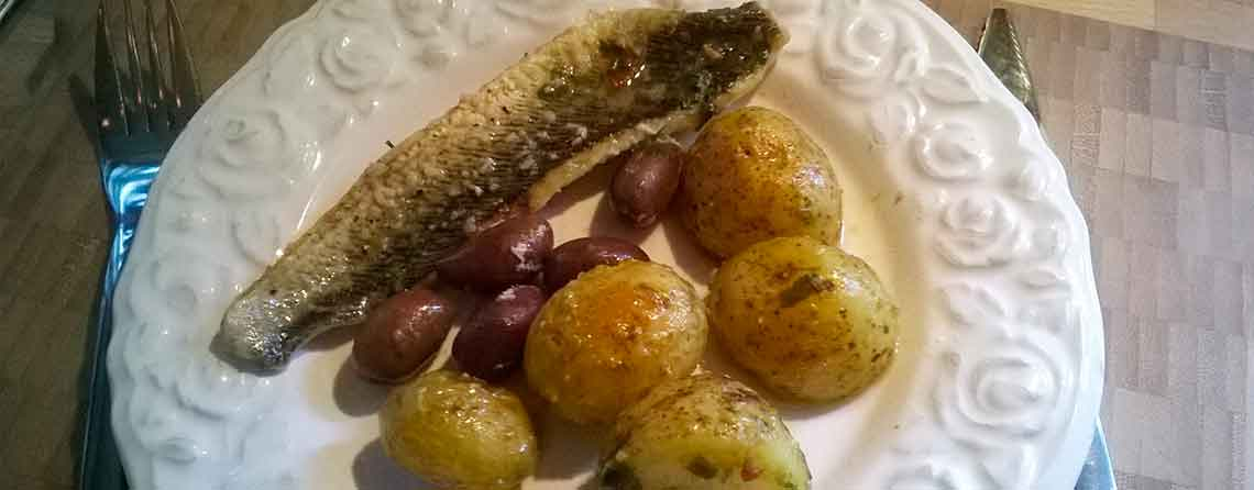 Fjæsing og råstegte kartofler