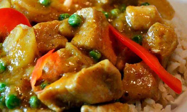 Kinesisk curry med skinketern og champignoner