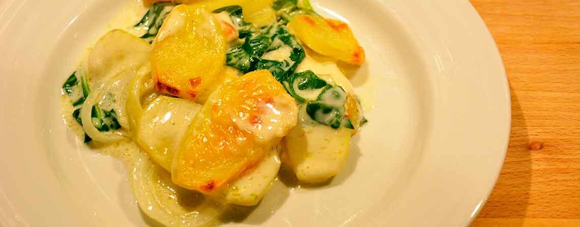 Flødekartofler Lækker Variant Med Spinat Og Mornaysauce