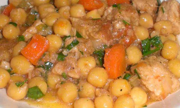 Suppe med svinekød og kikærter