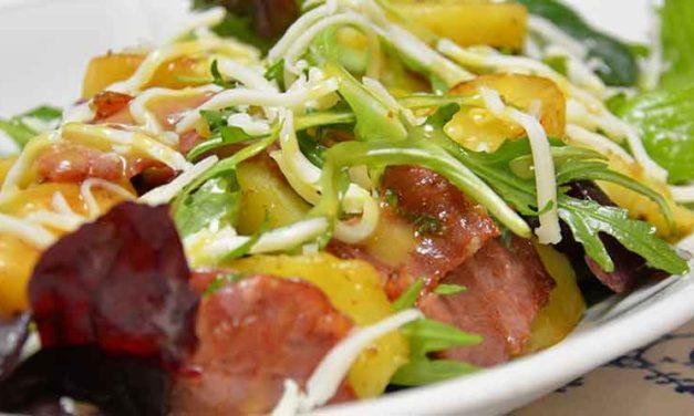 Kartoffelsalat med brasede kartofler