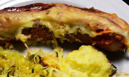 Gratinerede pølser med kartoffelmos i mikroovn m/grill